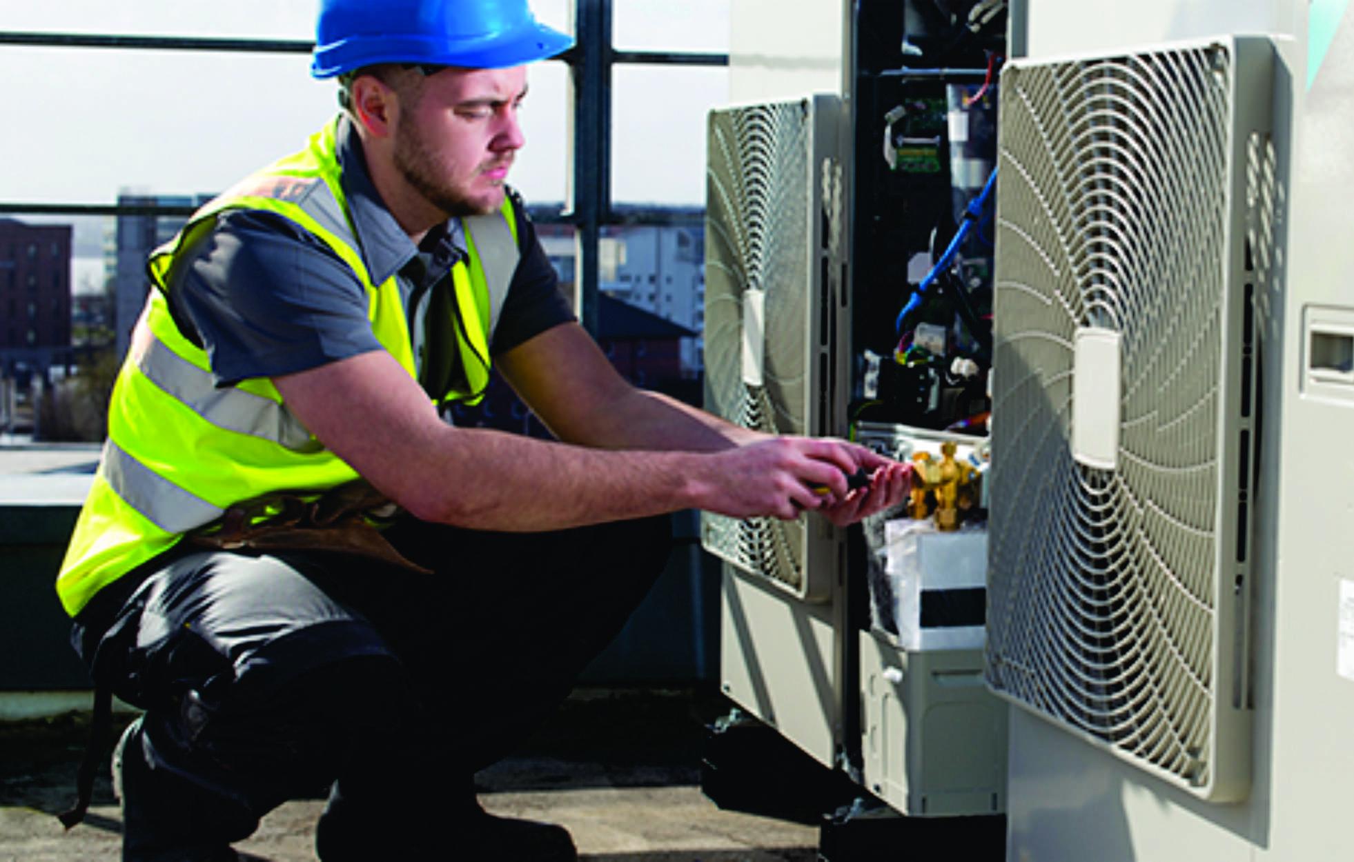 Tuyển kỹ sư giám sát hệ thống điện lạnh T06-2018